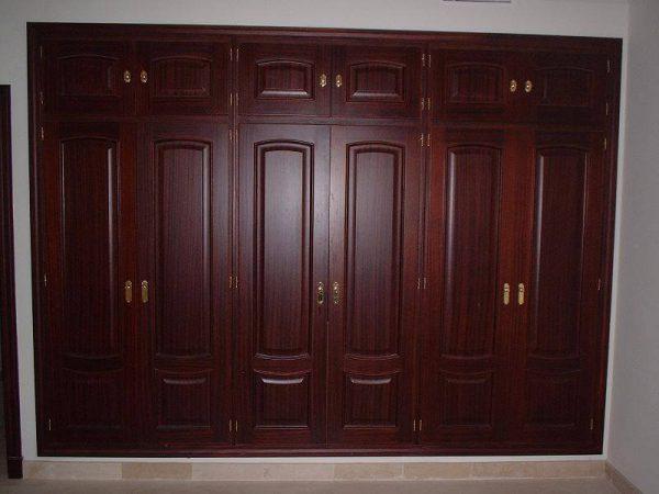 Frente de armario con puerta de sapely
